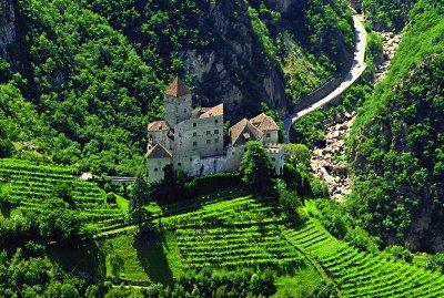 Burg Karneid von oben